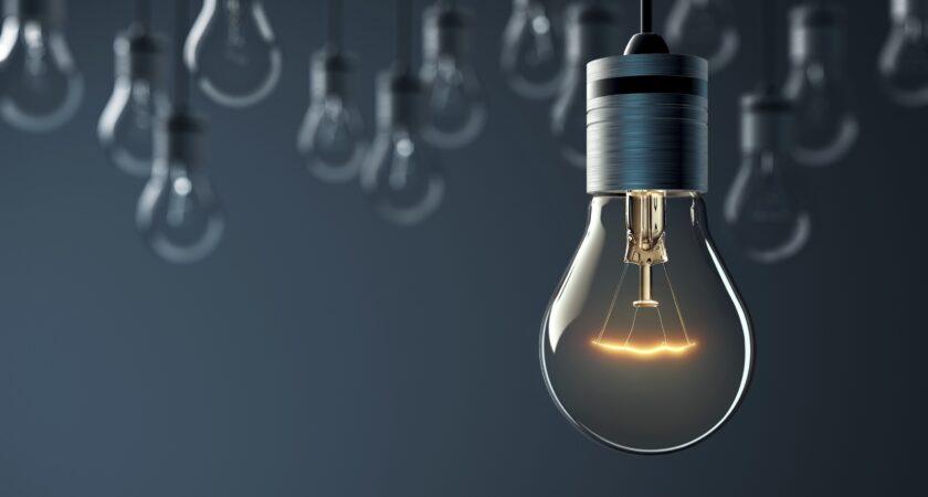Cele mai importante motive pentru care luminile din casa pot incepe sa palpaie