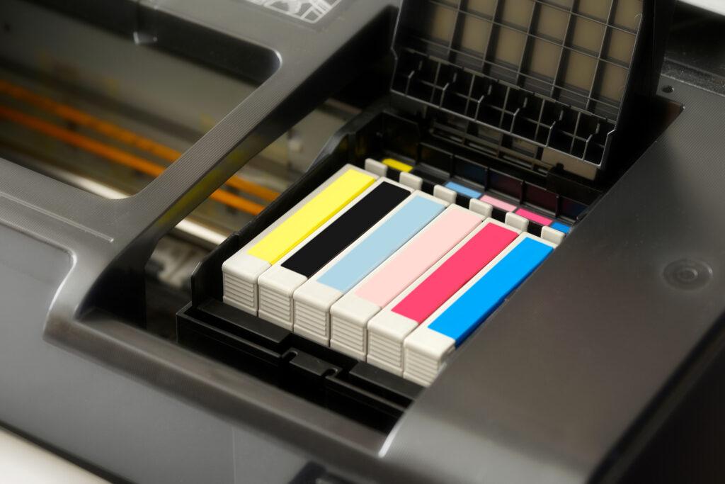 Care este diferenta dintre cartusele de cerneala originale (OEM) si cele compatibile