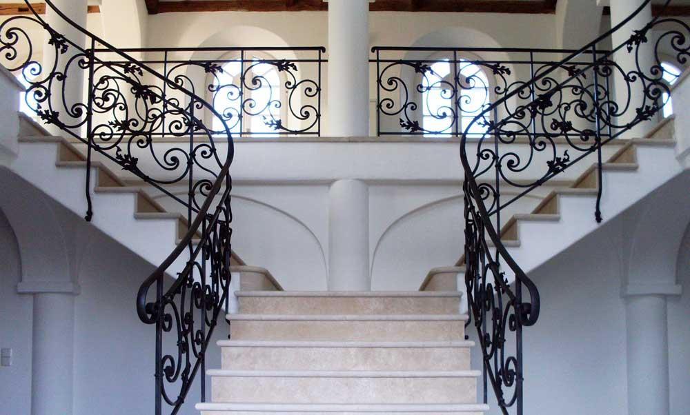 Ce sunt balustradele decupate si care sunt avantajele lor?