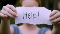 O vizita la un psihiatru nu este o rusine.Cand merita sa ii ceri ajutorul?