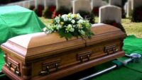De ce tot mai multe persoane apeleaza la servicii funerare?